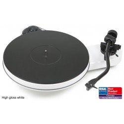 Pro-Ject RPM 3 Carbon Manueller Plattenspieler in Weiss inkl. Ortofon 2M Silver