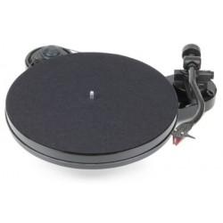 Pro-Ject RPM 1 Carbon    Manueller Plattenspieler  in Schwarz incl. Ortofon 2M Red