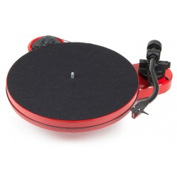 Pro-Ject RPM 1 Carbon    Manueller Plattenspieler in Rot incl. Ortofon 2 M Red