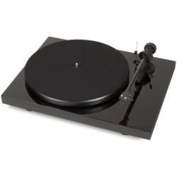 Pro-Ject Debut Carbon (DC) in Schwarz incl. Ortofon 2M Red